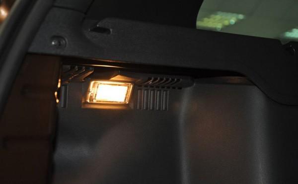 Свет в багажнике Рено Дастер
